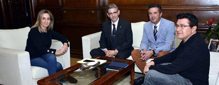 La alcaldesa de Toledo recibe a los directivos del Colegio Oficial de Ingenieros en Informática de Castilla-La Mancha