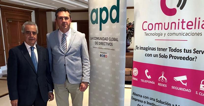 El Decano y el Decano de Honor asisten al evento APD sobre Desarrollo Sostenible.